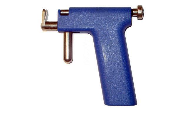 piercing cartilago aguja o pistola